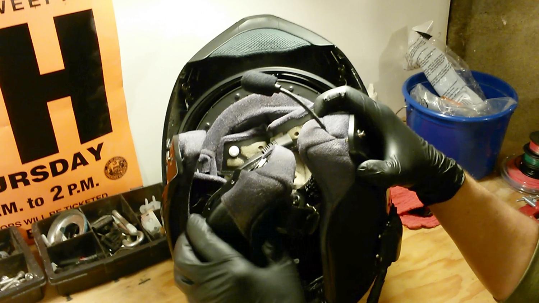 clean-motorcycle-helmet-13