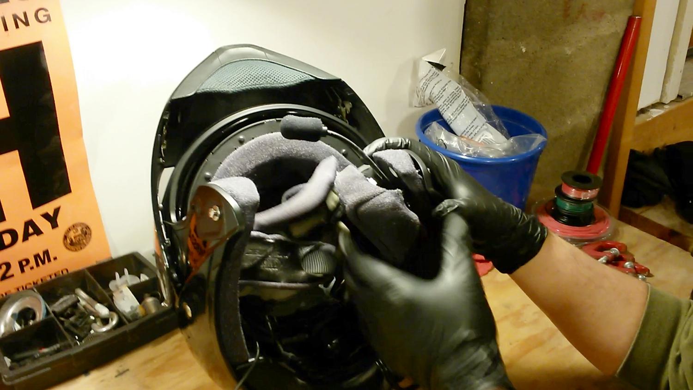 clean-motorcycle-helmet-15