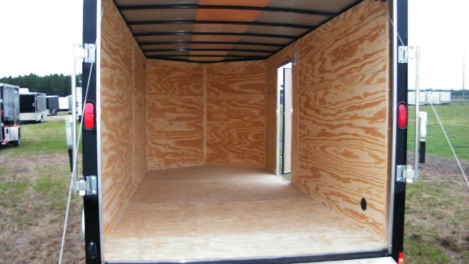 enclosed-motorcycle-trailer-04
