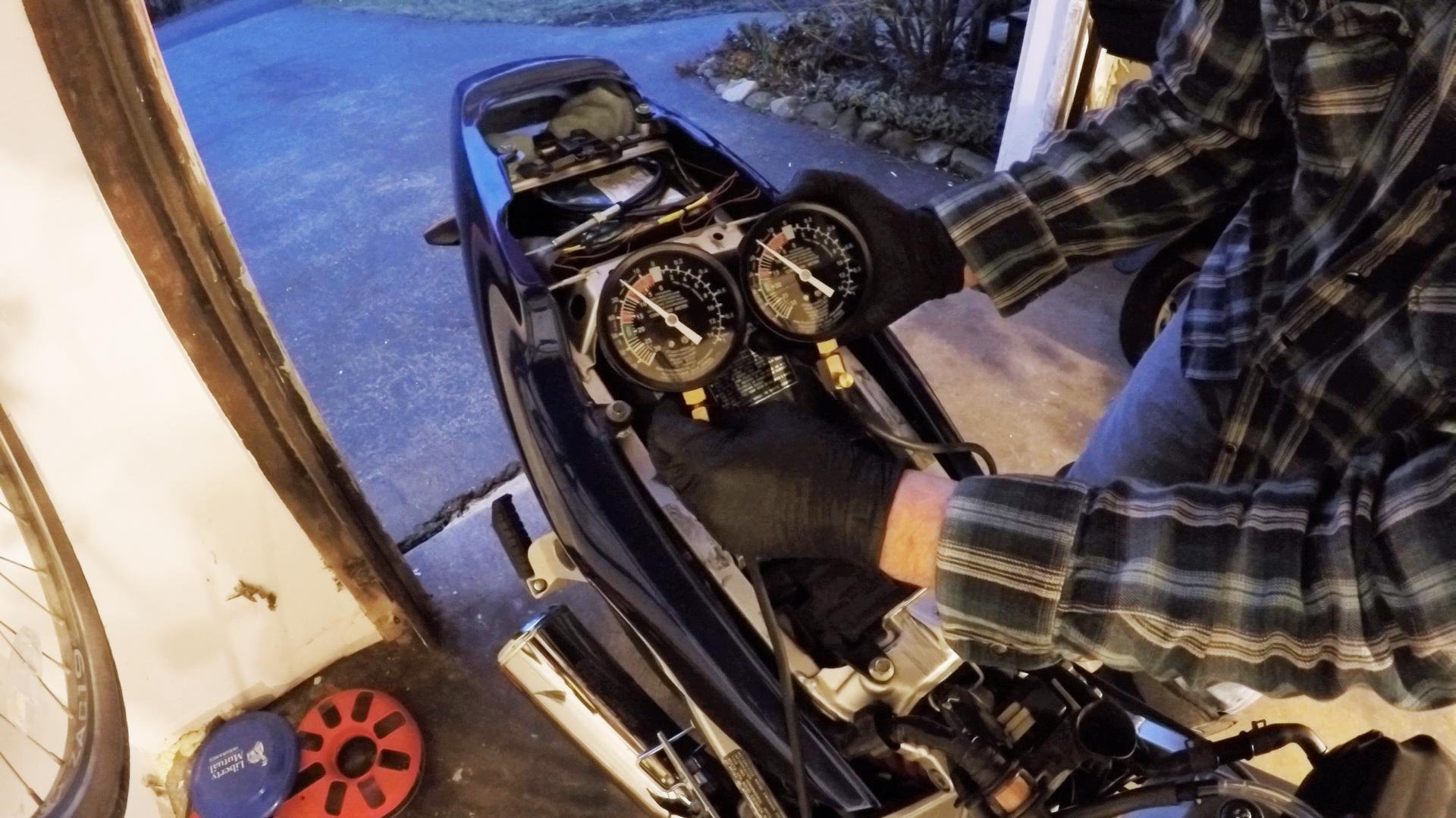 Carburetors Are Synchronized