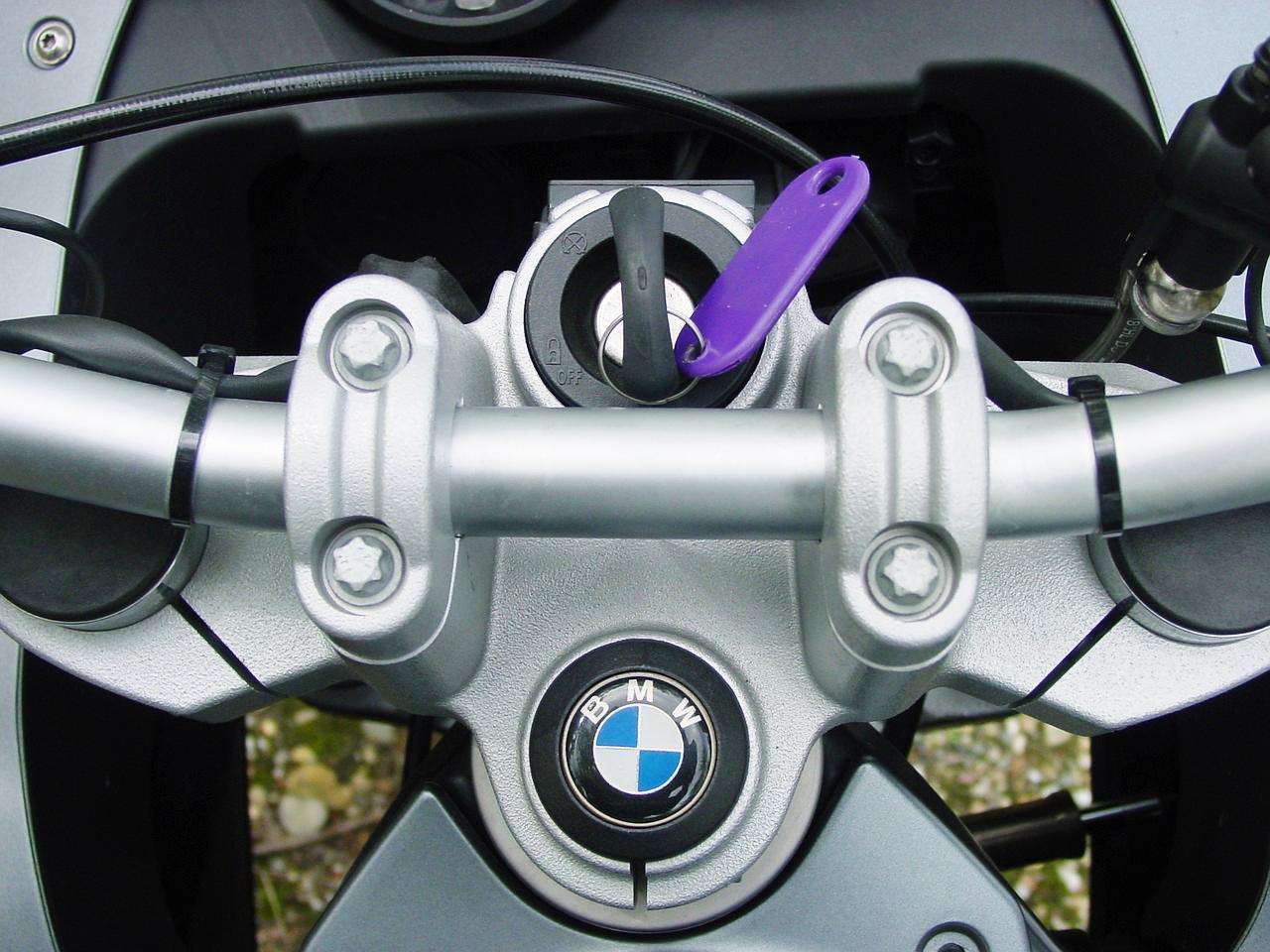 Rent Motorcycle (Motorbike Sharing)